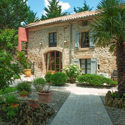 Looking for a honeymoon location where you can take the children? Check out Country Kids in the South of France