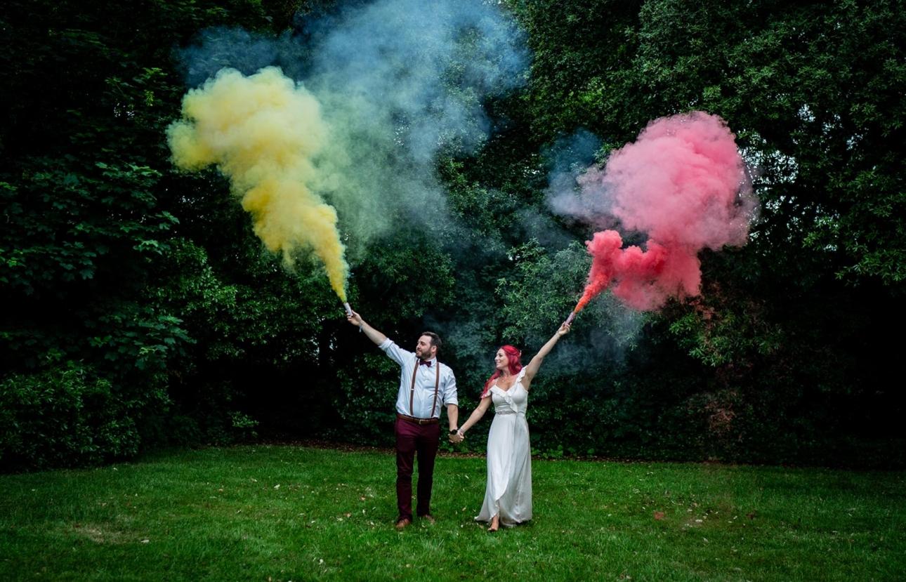 Coloured smoke flares