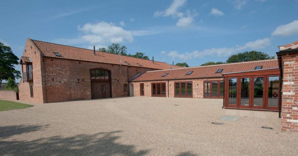 Image 1: Piggyback Barns Ltd